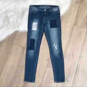 VANILLA STAR 5 Distressed Skinny Jeans